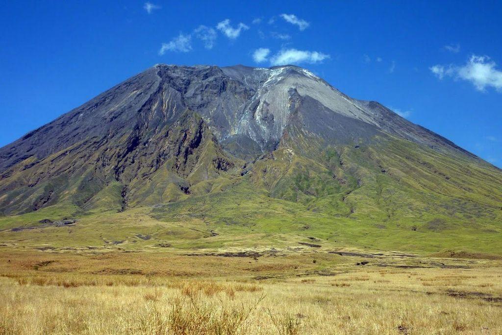 3 day Trekking to Oldonyo Lengai